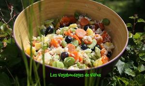 Salade crabe, ananas, carottes, fèves, myrtilles
