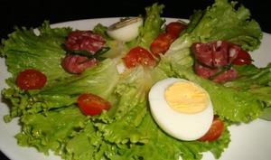 Aumônières de rosette au fromage en salade