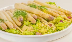 Salade d'asperges blanches, lardons et comté