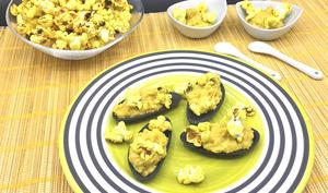 Coquilles de crème de maïs et pop-corn au curry