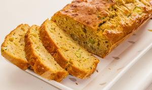 Cake au thon, courgettes et comté
