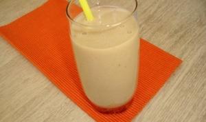 Smoothie de fruits d'été au baobab