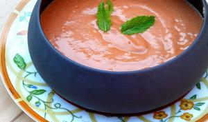 Gaspacho de tomates à la menthe