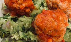 Courgettes râpées aux boulettes de chair à saucisse