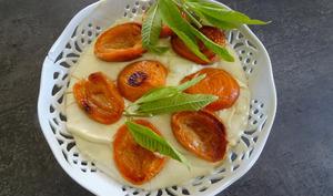 Abricots rôtis à la crème à la verveine