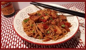 Nouilles chinoises au poulet avec le cookéo