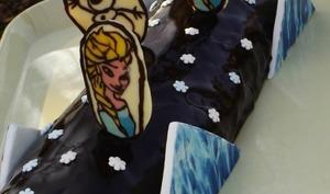 Bûche bavaroise aux 2 chocolats La Reine des Neiges