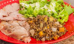Rôti de porc aux lentilles et légumes d'hiver