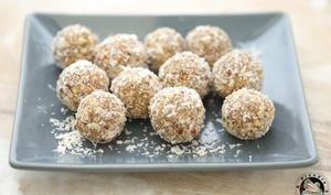 Energy balls noisettes raisins coco