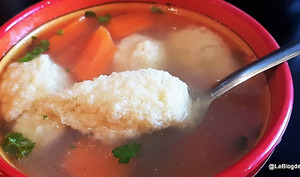 Soupe de poulet aux boulettes de semoule