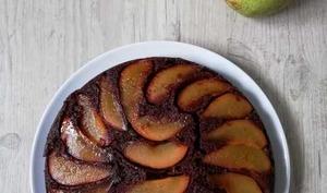 Gâteau renversé aux poires, caramel et chocolat