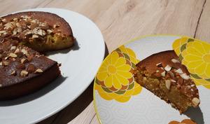 Gâteau à la pâte d'amande et miel