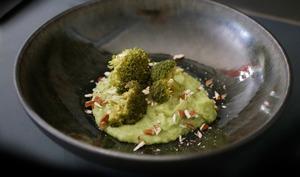 Purée de brocoli et brocoli vapeur
