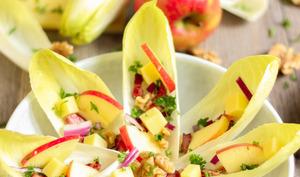 Salade d'endives comme une fleur