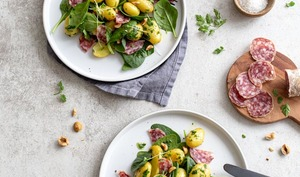 Salade de pommes de terre primeurs au saucisson