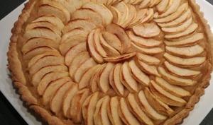 Tarte aux pommes pâte sablée compote de pommes et poires
