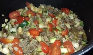 Sauté de basse côte de boeuf marinée et légumes printaniers - Emma cuisine