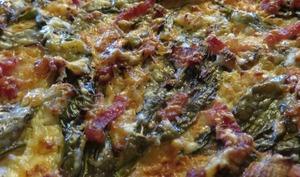 Pizza aux flocons d'avoine avec de l'ail des ours