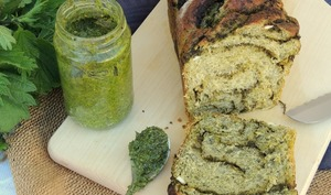 Babka toute verte ~ Pesto d'ortie et feta
