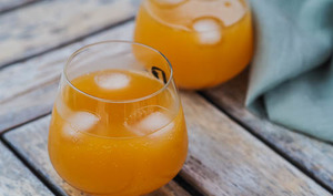 Cocktail sans alcool abricot et ginger-ale