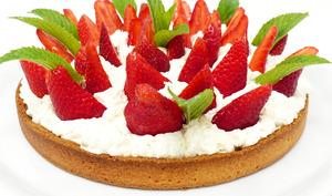 Tarte aux fraises, crème d'amande et chantilly mascarpone vanillée