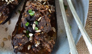 Aubergine farcie à la viande hachée et aux épices