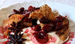 Croûtons épicés aux cerises et crème de chèvre.