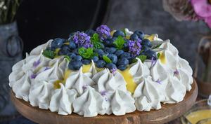 Pavlova citron myrtilles et lavande