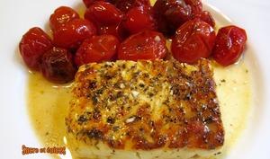 Feta grillée avec des tomates cerises