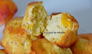 Muffin aux pêches et cardamone