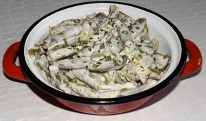 Haricots verts aux lardons et au fromage à l'ail et aux fines herbes