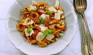 Orecchiette aux saucisses italiennes et aux tomates-cerises