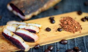 Magret de canard séché aux épices au café