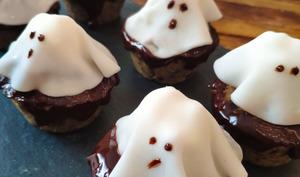Muffins d'Halloween à la banane et beurre de cacahuètes