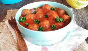 Boulettes de viande hachée en sauce tomate