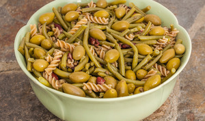 Salade de pâtes aux haricots rouges, lentilles et haricots verts