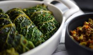 Chou vert farci au quinoa et petits légumes