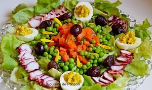 Salade de poulpe fumé, olives, petits pois, carottes à la chermoula et oeufs mimosas