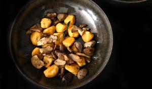 Gnudi au potimarron et cèpes. Beurre à la sauge.