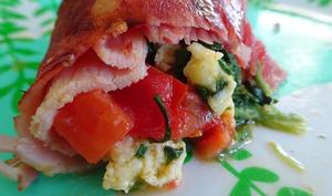 Rouleau de jambon farci aux épinards, tomates et œufs