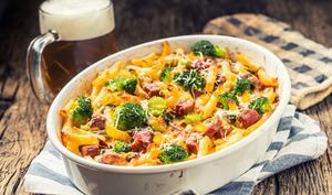 Gratin de pâtes, brocoli et carottes