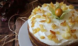 Layer cake pommes caramélisées chantilly coco