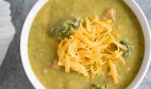 Soupe de pommes de terre et brocoli