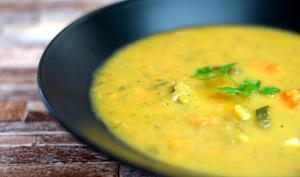 Soupe de courgettes et carottes aux épices