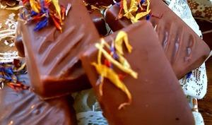 Bonbon au chocolat au lait praliné