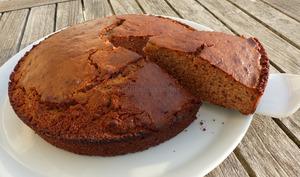 Gâteau corse à la farine de châtaigne et aux noix