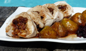 Ballotine de poulet aux fruits secs et ses figues au jus