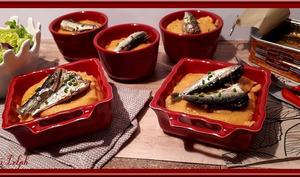 Sardines sur lit de polenta aux tomates séchées