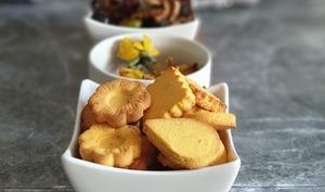 Biscuits salés au beurre noisette et polenta