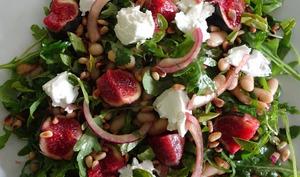 Salade de figues, haricots cannellini et pignons de pin